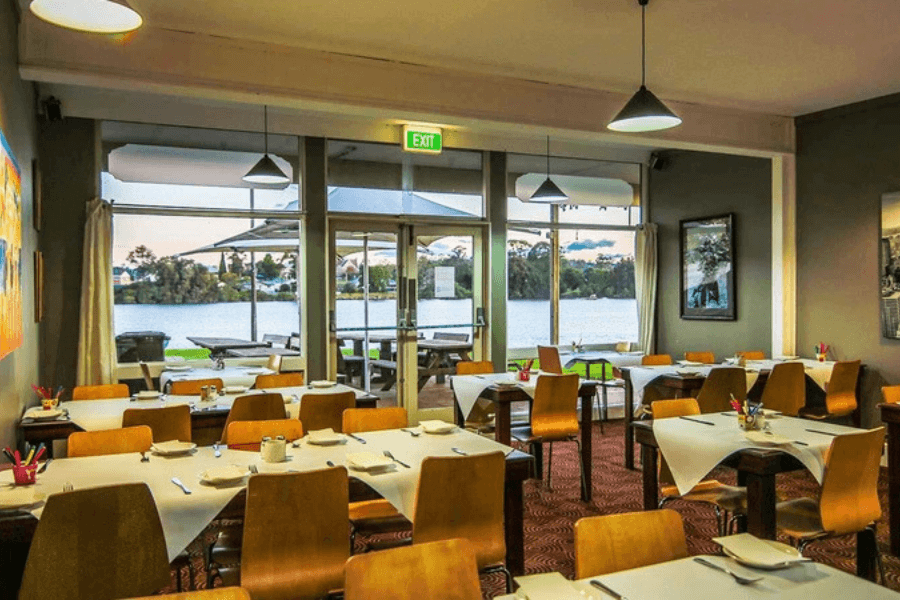 Moruya Waterfront Hotel